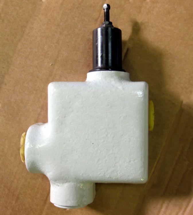 жестко ебут клапан давления с обратным гидроклапаном пбг 66-12 слизывают сперму головок