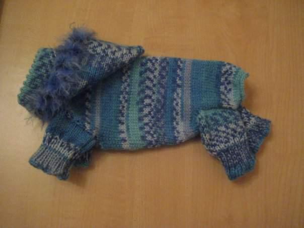 Вязанная одежда для собак.